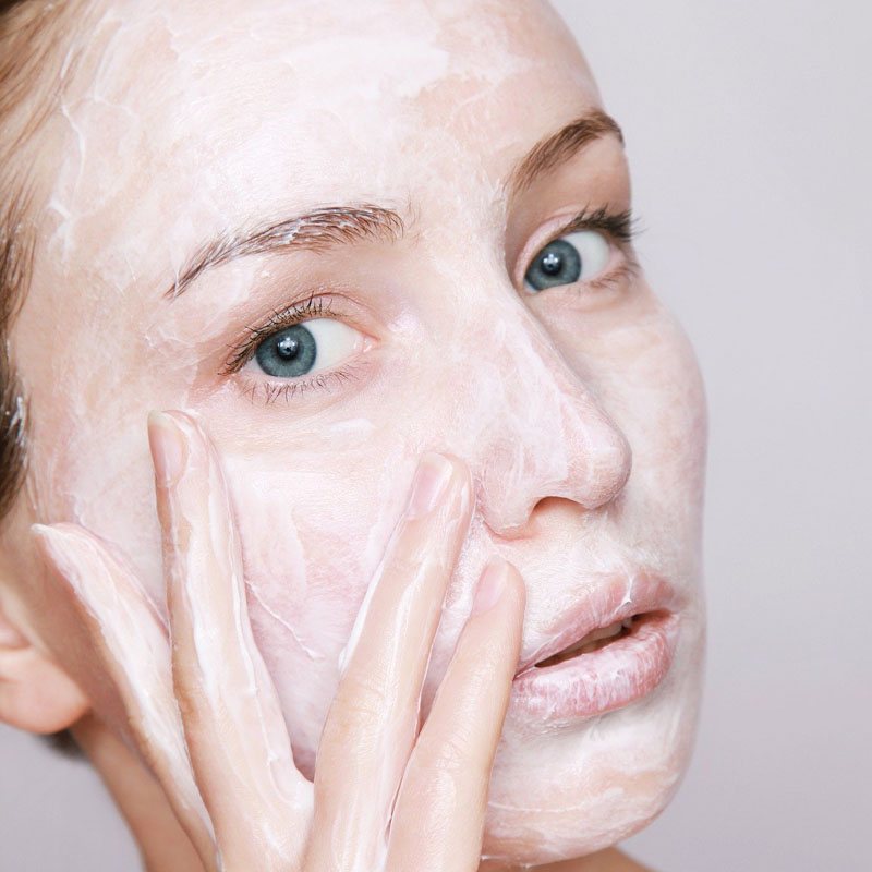 Proper routine of cleansing fact, for young and healthy skin